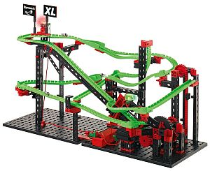 Grafik: fertiger Aufbau des Kugelbahnsystems mit Motor
